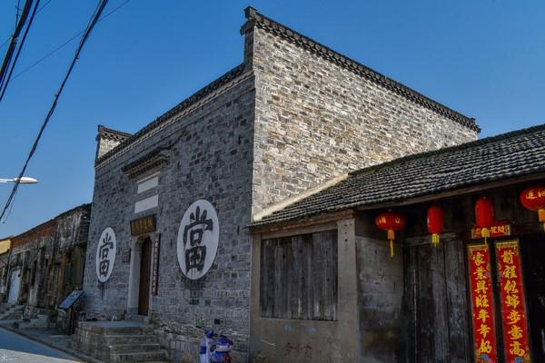 徽州:過街木樓石板路,青磚小瓦馬頭牆-華發網繁體版