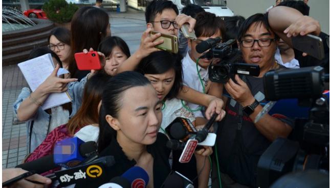 女子涉庭內拍攝 拒知名律師義助-華發網繁體版