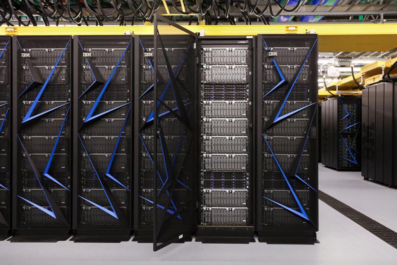 美國最強超級電腦「頂點」面世