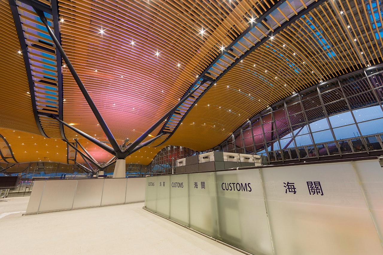 港珠澳橋香港口岸旅檢大樓天幕滲水 - 華發網繁體版