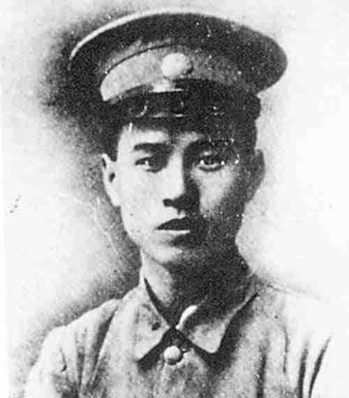 他才是黃埔第一奇才,四大能力都在林彪之上,可惜英年早逝