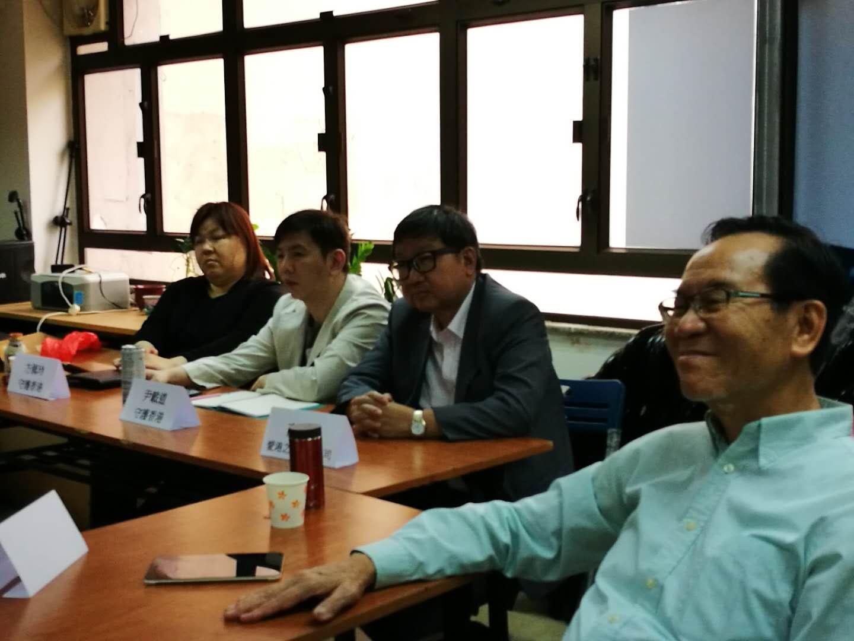 何應占(簡介):默默為愛國愛港團體和人士提供義務法律咨詢服務的法律人士