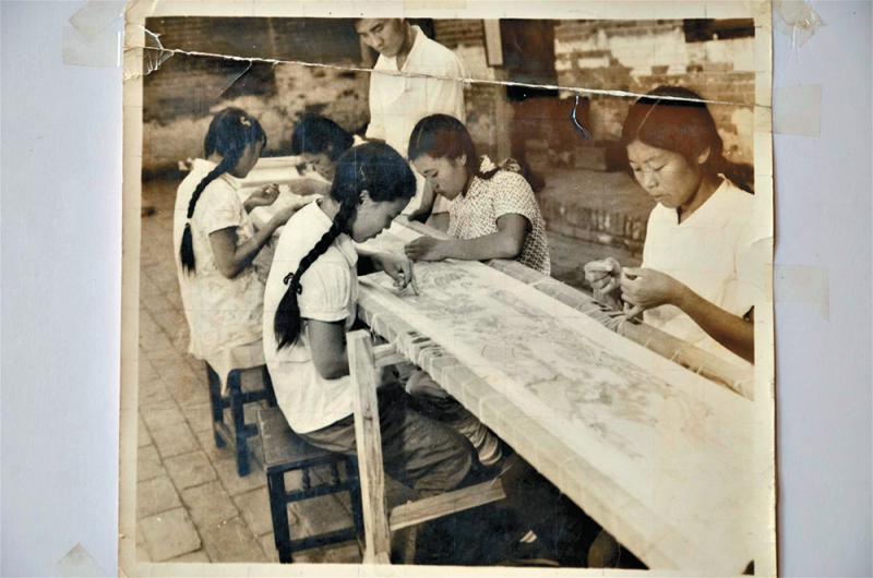 王素花繡首幅《清明上河圖》