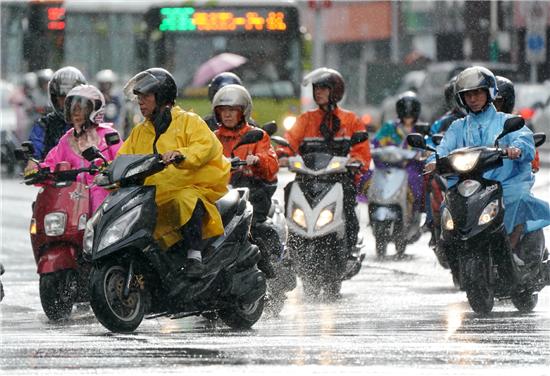 強颱風「瑪莉亞」登台 多縣市明休班休課