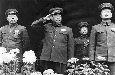 陳賡談當年救蔣介石:早知他那麼反動就把他扔溝裏