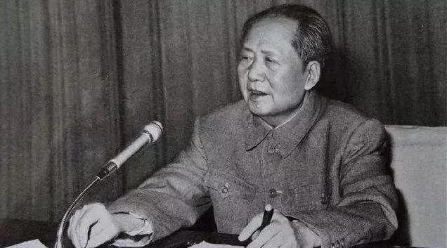 美國要向中國投30顆核彈,毛主席說了一句經典名言