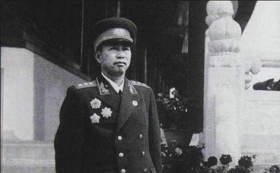 劉亞樓發火了:這點都不知道,還要妳這個縱隊司令員幹嘛
