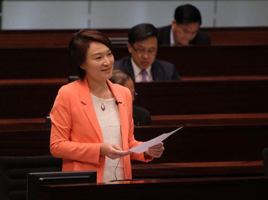 李慧琼建議:允許港人申請內地身份證