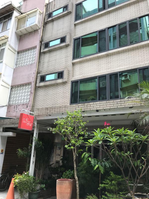 「獨書院」收入暴漲 一年二百萬用於香港