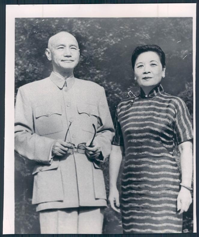 看到蔣介石的遺囑後,宋美齡大驚失色,離開台灣11年不歸