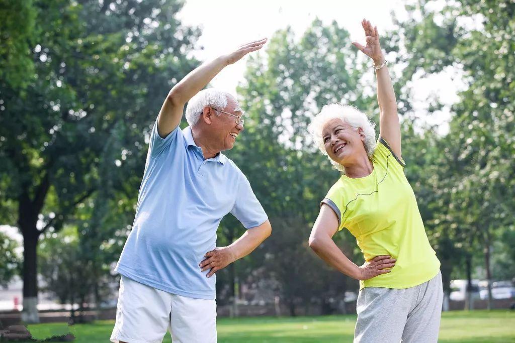每天甩手5分鐘,強身健體又輕松!