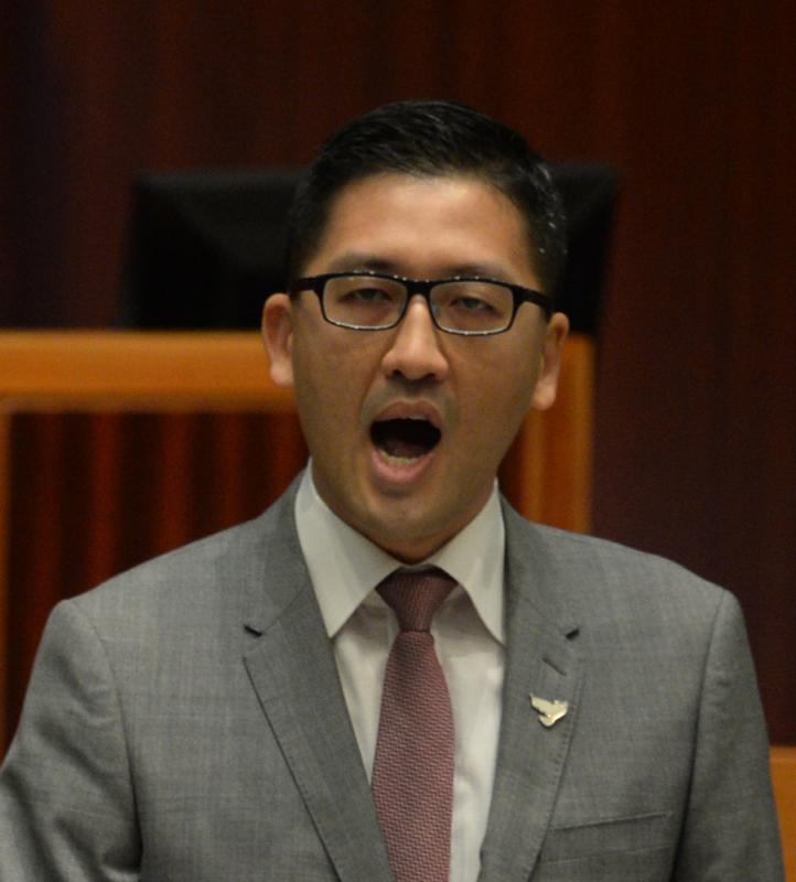 梁振英斥毒害港政治 籲選民踢走林卓廷-華發網繁體版