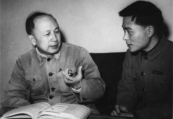 此人比5個師還重要,去世時三軍儀仗隊擡棺,毛主席特批中將軍銜
