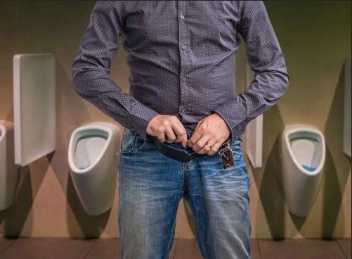 """早上排尿若出現這4種""""異常"""",說明妳該養腎了,切記別忽視!-華發網繁體版"""