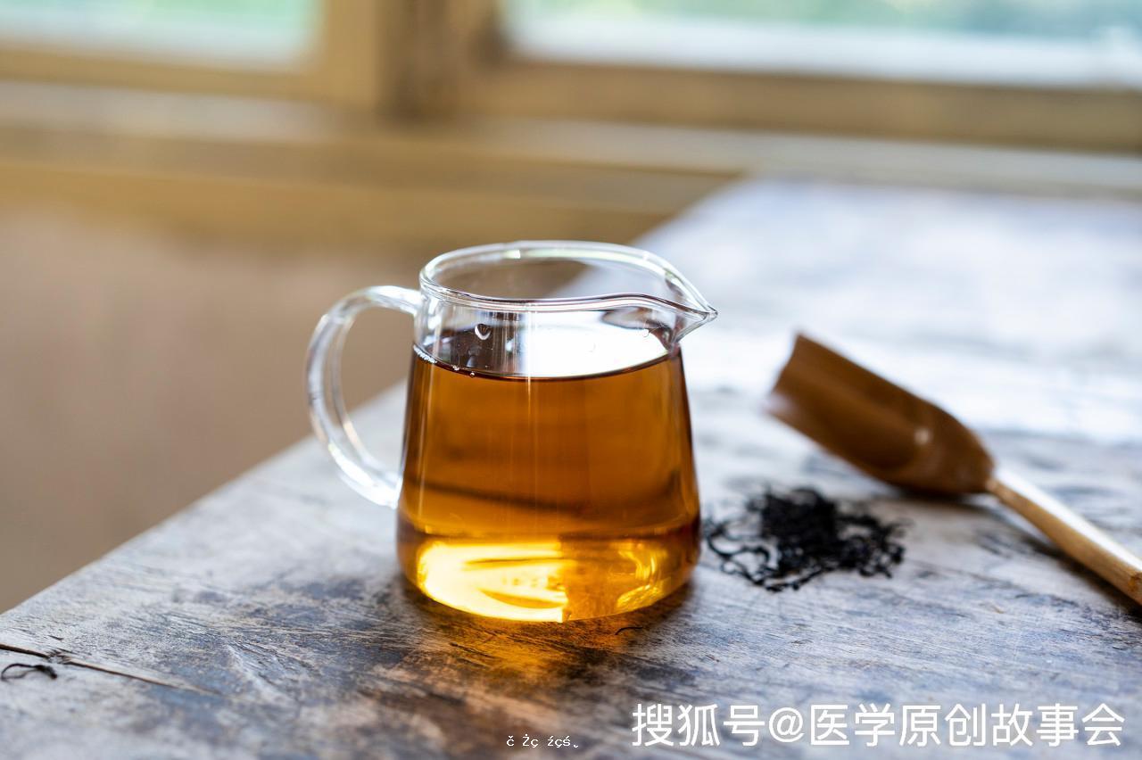 每天一杯蜂蜜水好處多多,堅持半年以上,身體會有四種變化