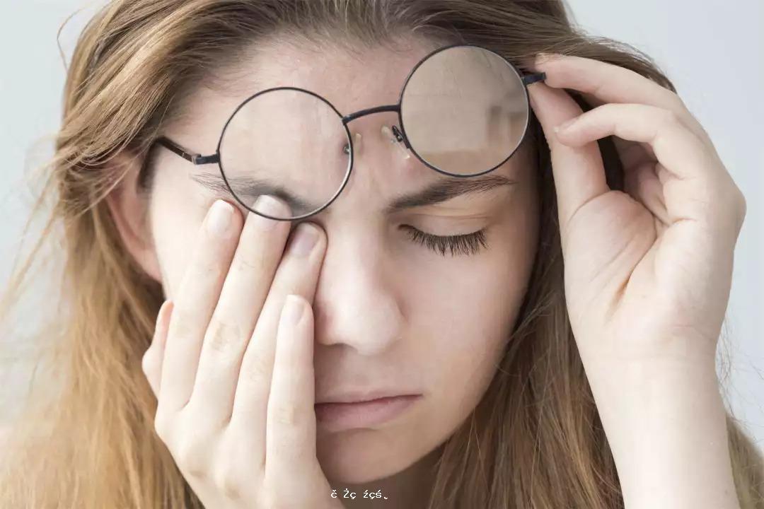 90後女孩睫毛上發現蟎蟲!醫生提醒:有傳染性,三種情況需警惕