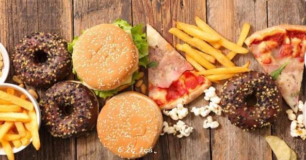 爺孫倆同時患上高血脂,醫生提醒大家:這3種食物,比肥肉更容易升脂