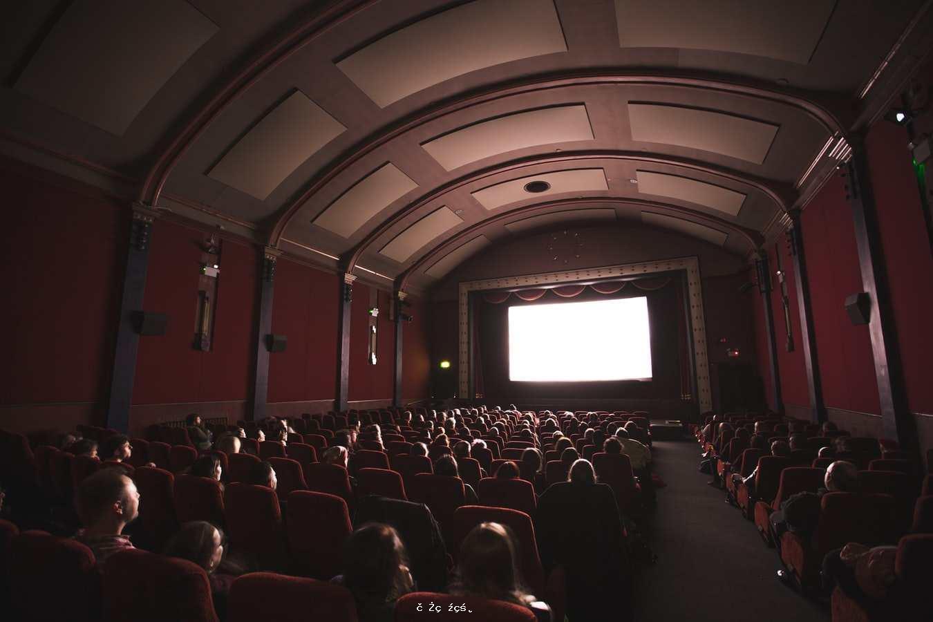 新年電影票房過百億,但電影票價卻越漲越高,電影自由要沒了嗎?