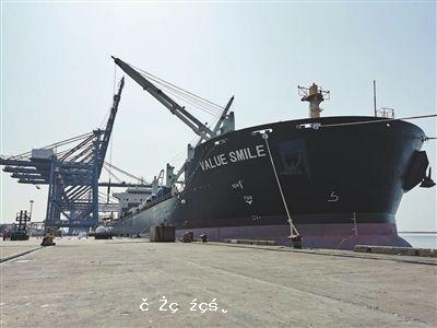 """再拓""""一帶一路""""航線 珠海港首船件雜貨出口巴基斯坦"""