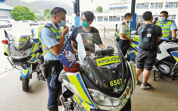警察招募日 1700人即場投考