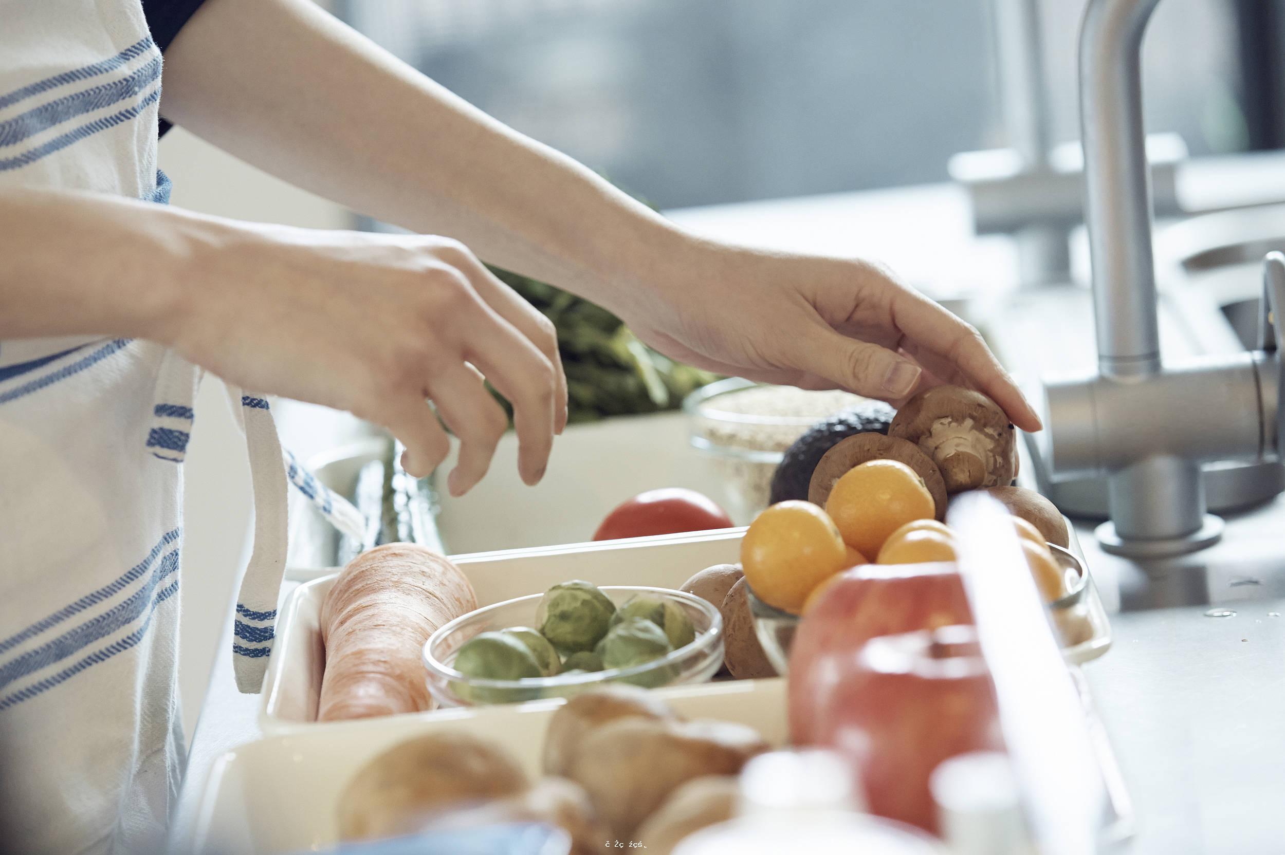 《2021中國白領女性健康膳食白皮書》:中國白領女性吃油吃鹽超標!