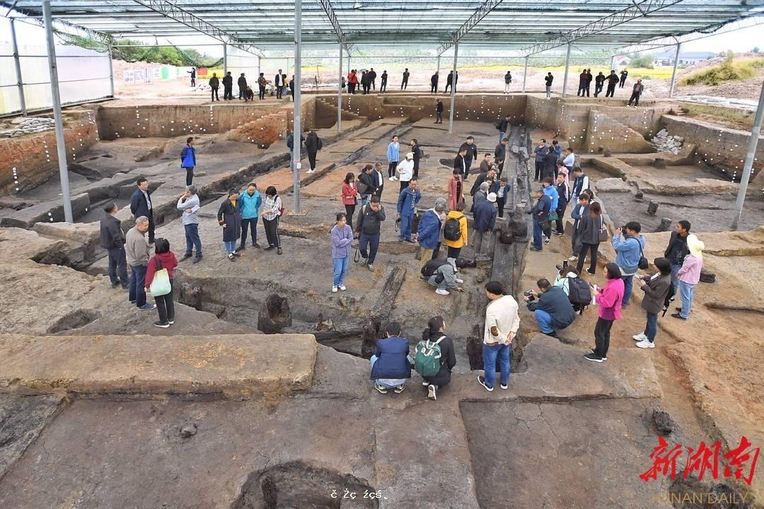 湖南發現中國最早最完整大型木構建築基礎